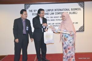 kuala-lumpur-international-business-economics-law-academic-conference-2016-malaysia-organizer-best-paper (4)