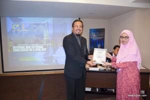 kuala-lumpur-international-business-economics-law-academic-conference-2017-malaysia-organizer-bestpaper (4)